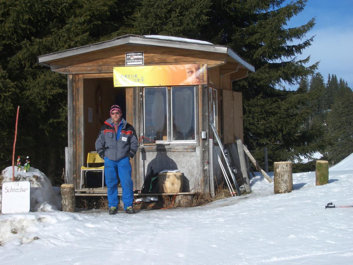 Cabina di sorveglianza della stazione a monte for Monte alloro affitti di cabina